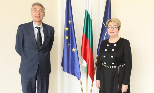 Посланикът на Русия връчи акредитивните си писма на зам.-министър Петко Дойков
