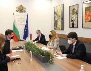 Николова: Трябва да бъдат премахнати ограниченията за туристически пътувания между България и Великобритания