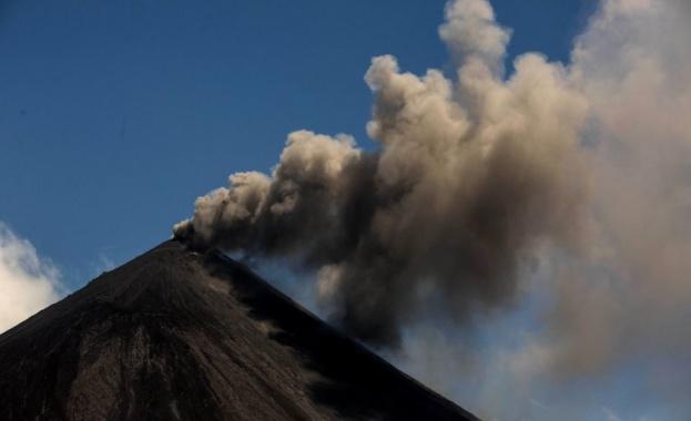 Силни експлозии са регистрирани във вулкана, намиращ се на около