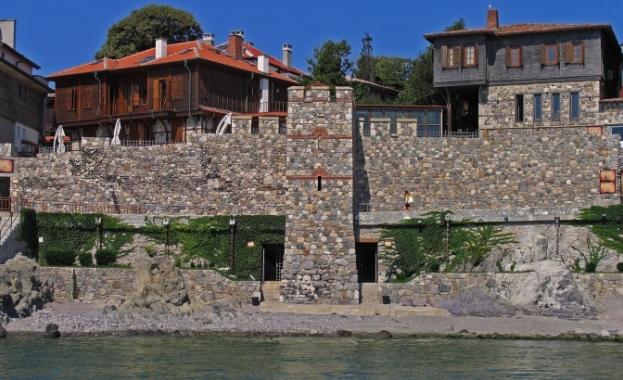 Бургаският районен съд разпореди да бъде съборена част от южната