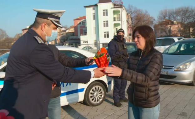 Пловдивската полиция продължава осмомартенската си традиция -