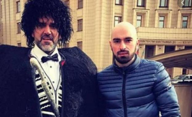 Полицията е задържала четирима души пред сградата на руското външно