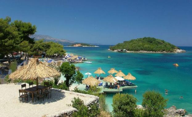 Туристите, посещаващи Албания тази година, няма да се нуждаят от