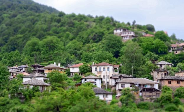 Пред истинско водно бедствие са изправени в родопското село Косово.