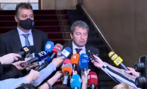 Тошко Йорданов: Ако се стигне до кабинет, то ще е с другите две партии от протестите