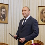 """Утре издават извънреден брой на """"Държавен вестник"""" с обнародвания нов Изборен кодекс по указ на Радев"""