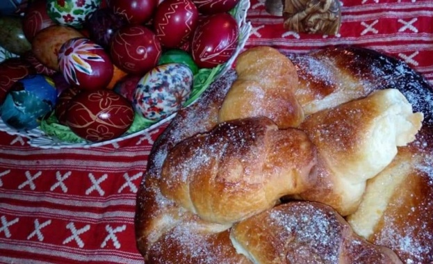Традиции и поверия за празничната трапеза на Великден