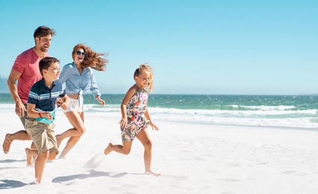"""Почти 20 000 ученици и учители са одобрени за безплатна почивка по Националната програма """"Отново заедно"""""""