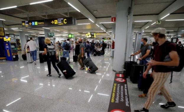 Испания позволява от днес пристигането на туристи от няколко държави