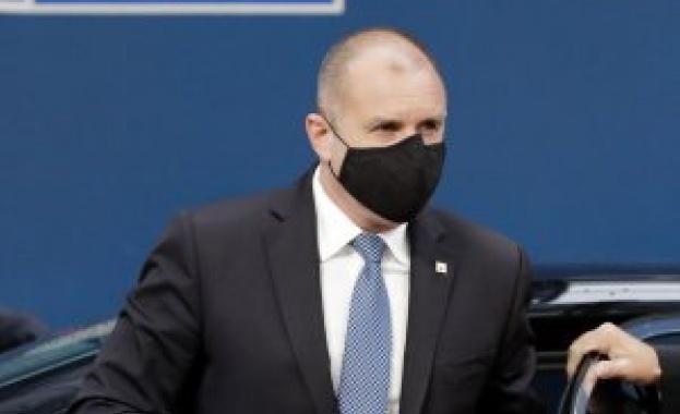 Непосилно е да чистиш след Борисов в Брюксел