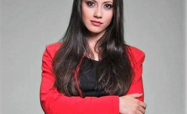 Младата актриса Йоанна-Изабелла Върбанова, която е най-новото попълнение в трупата