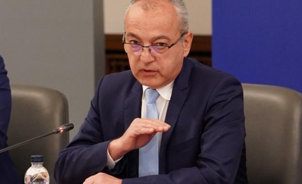 Гълъб Донев: Под линията на бедност ще останат 413 600 пенсионери