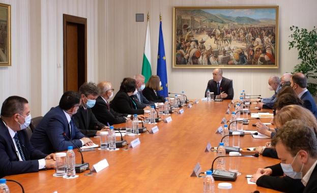 """Президентът Румен Радев проведе среща днес на """"Дондуков"""