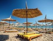 От 0 до 8 лева струват чадърите на плажовете по Южното Черноморие това лято