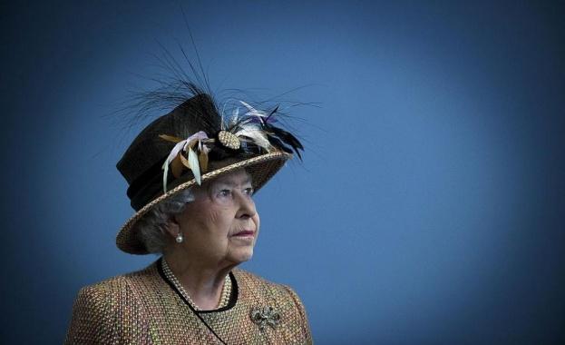 Британската кралица Елизабет Втора има ново кученце от породата корги,