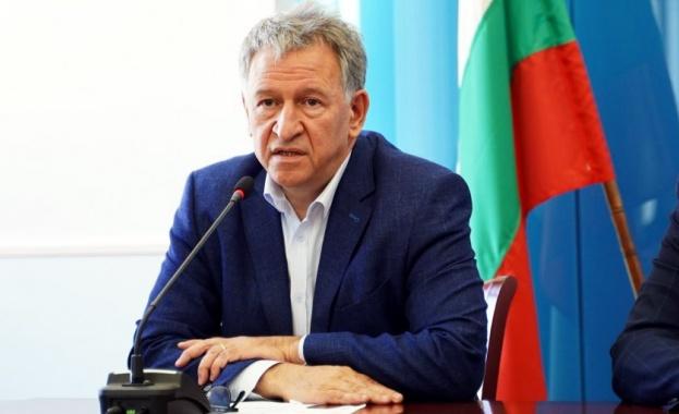 Министърът на здравеопазването д-р Стойчо Кацаров представи накратко насоките за