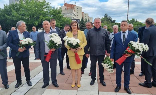 България се нуждае еднакво силно както от лява алтернатива, така