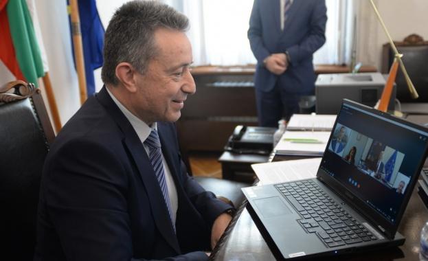 Министърът на правосъдието проф. Янаки Стоилов проведе видеоконферентен разговор с