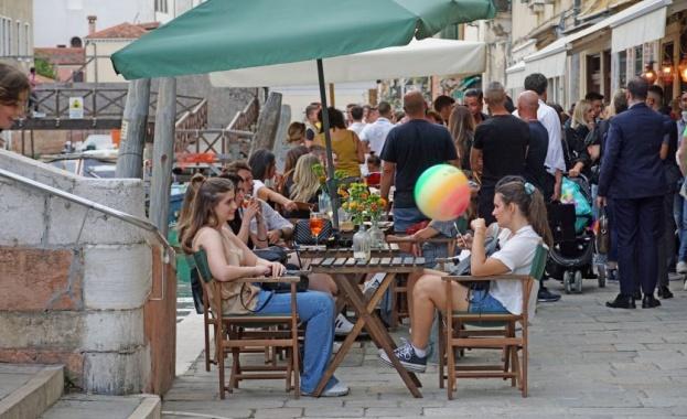 Италия удължава извънредното Covid положение до края на 2021 г., въвежда зелени пропуски