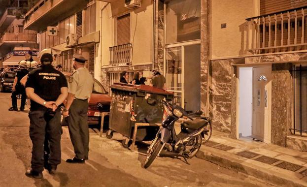 Гръцката полиция издирва 35-годишен българин, обвинен в изнасилване на 50-годишна