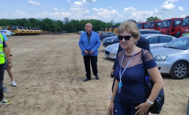 Министърът на регионалното развитие и благоустройството Виолета Комитова провери участъка