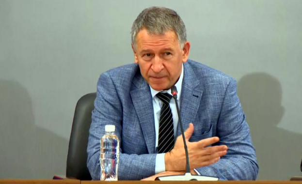 Министър Кацаров: Мерките ще отпаднат частично или изцяло, ако има спад в броя на заразените