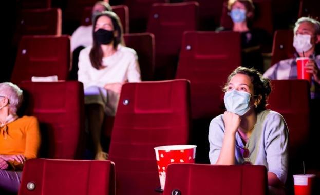 На кино и музей във Франция: Само с документ за ваксинация или отрицателен текст