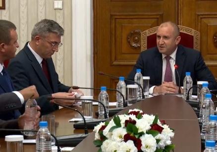 ДПС декларира пред президента готовност да подкрепи правителство