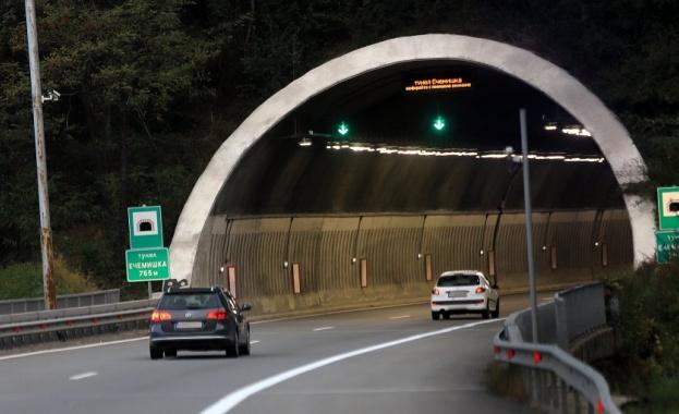 """Ограничават движението за тирове над 12 тона в тунел """"Ечемишка"""""""