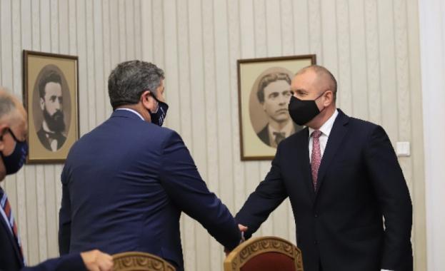 """""""Демократична България"""" готова да допринесе за съставянето на правителство, но не на всяка цена"""