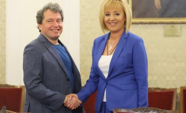 """Манолова подкрепя ИТН за кабинет без """"дългата ръка"""" на ДПС"""