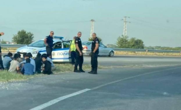 Нелегални мигранти заловени в полицейска операция в София