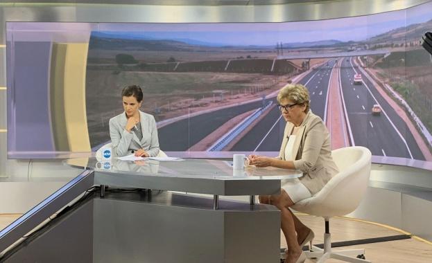 Министър Комитова: Защо фирми са се съгласявали да работят, като знаят, че няма пари