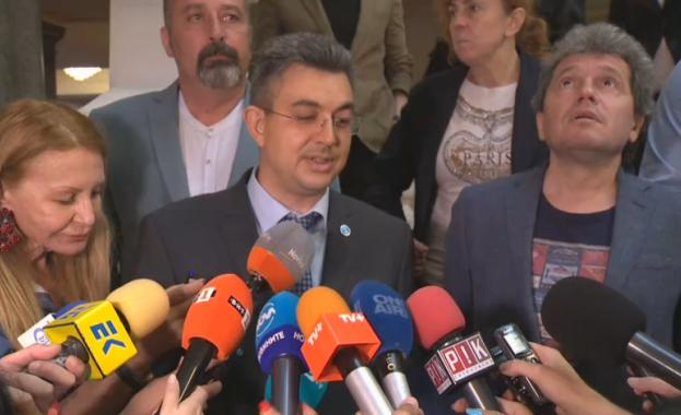 Кандидатът за премиер на ИТН Пламен Николов обяви имената на