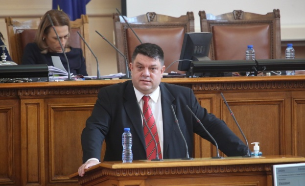 """Атанас Зафиров, БСП: Имахме доброто желание да говорим за политики, но """"партии на протеста"""" не приеха протегната ни ръка"""