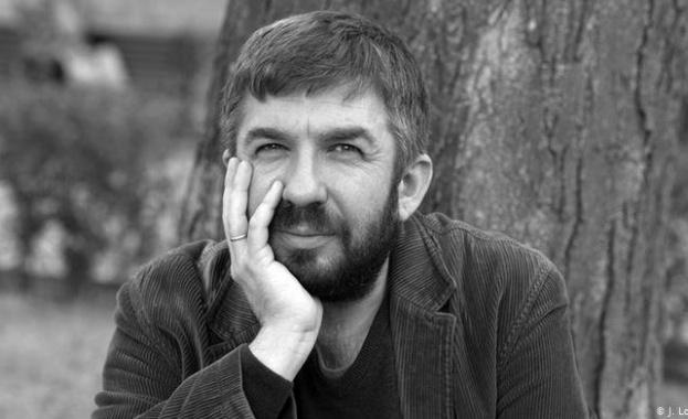 Почина поетът, литературовед и журналист Марин Бодаков