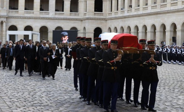 Семейството и най-близките се сбогуваха с Жан-Пол Белмондо