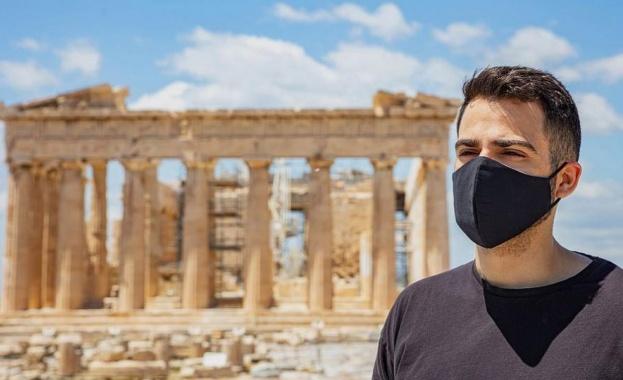 Искат тест за COVID и от 4-годишните в Гърция, за да летят с вътрешните полети