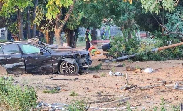 Ден на траур в Айтос след зверската катастрофа, погубила две деца и баща им