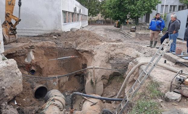 Три ВиК дружества работят съвместно за отстраняване на ВиК аварията в Хасково