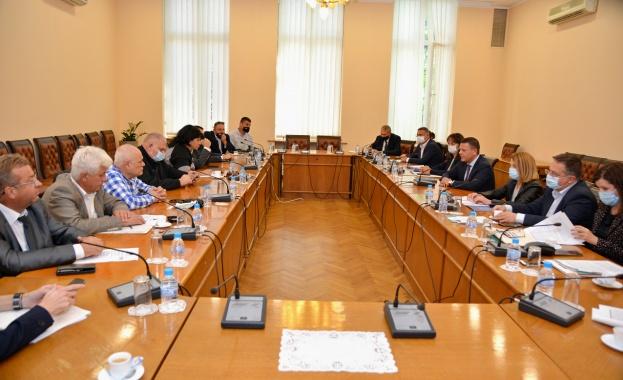 Министър Христо Алексиев: За втори път автобусните превозвачи ще могат да кандидатстват за финансова подкрепа