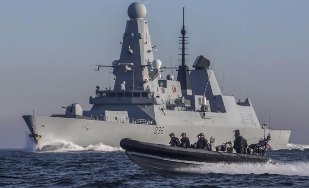 Турски военен кораб е отправил предупреждение към гръцки изследователски кораб,