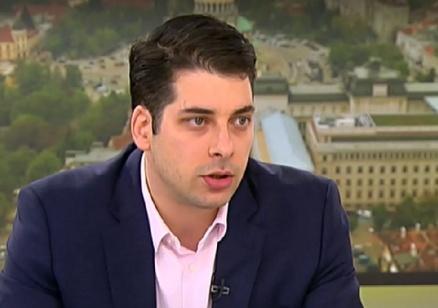 Атанас Пеканов: Нямам интерес да участвам в проекта на Петков и Василев