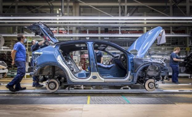 Volvo Cars започва производството на Новото C40 Recharge