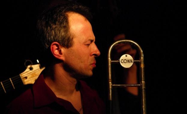 Биг бендът на Българското национално радио и диригентът Антони Дончев
