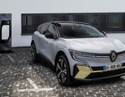 Renault - автоматично паркиране - с педала на газта вместо с бутон